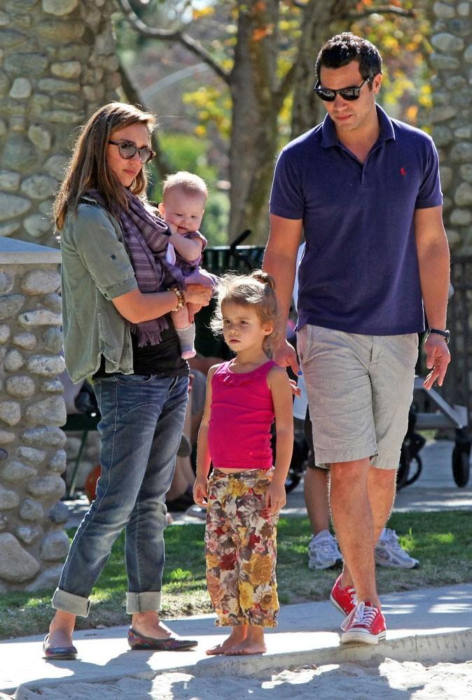 Photos : Jessica Alba est gaga de ses filles Honor Marie et Haven Garner