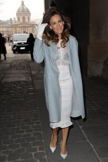 Sarah Jessica Parker se rendant au défilé Louis Vuitton à Paris, le 7 mars 2012.