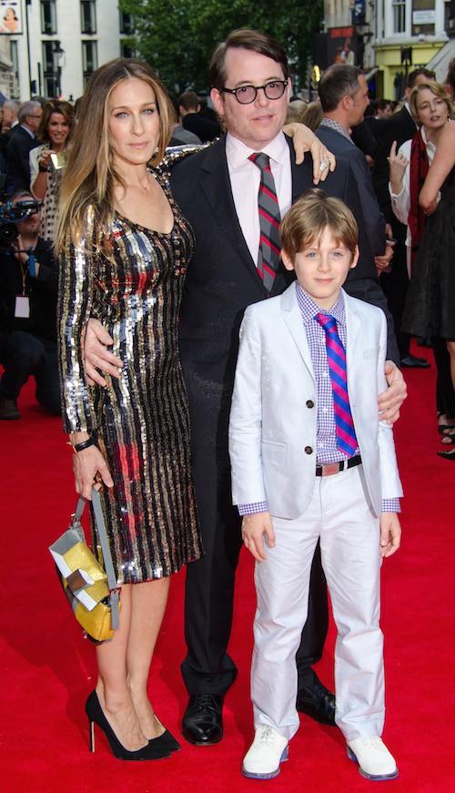 Avec son fils et son mari pour la représentation de Charlie et la chocolateire à Londrs en 2013