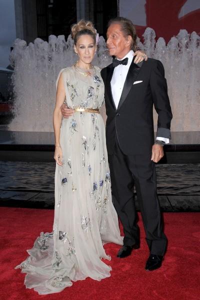 Sarah Jessica Parker et le couturier Valentino lors de la soirée NYC Ballet Fall Gala à New York, le 20 septembre 2012.
