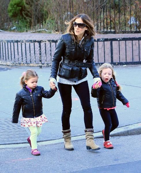 Sarah Jessica Parker et ses jumelles Marion et Tabitha le 7 janvier 2013 à New York
