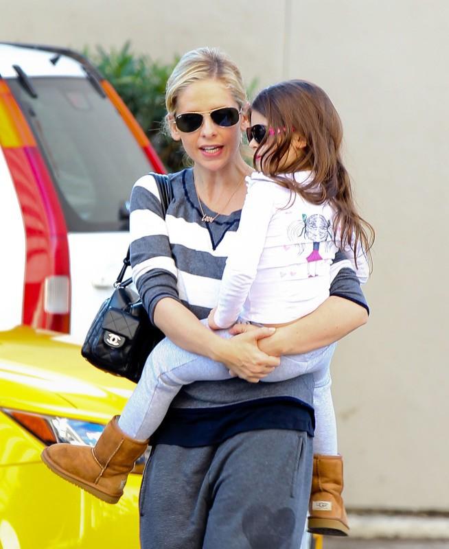 Sarah Michelle Gellar et sa fille Charlotte, Los Angeles, le 28 novembre 2013