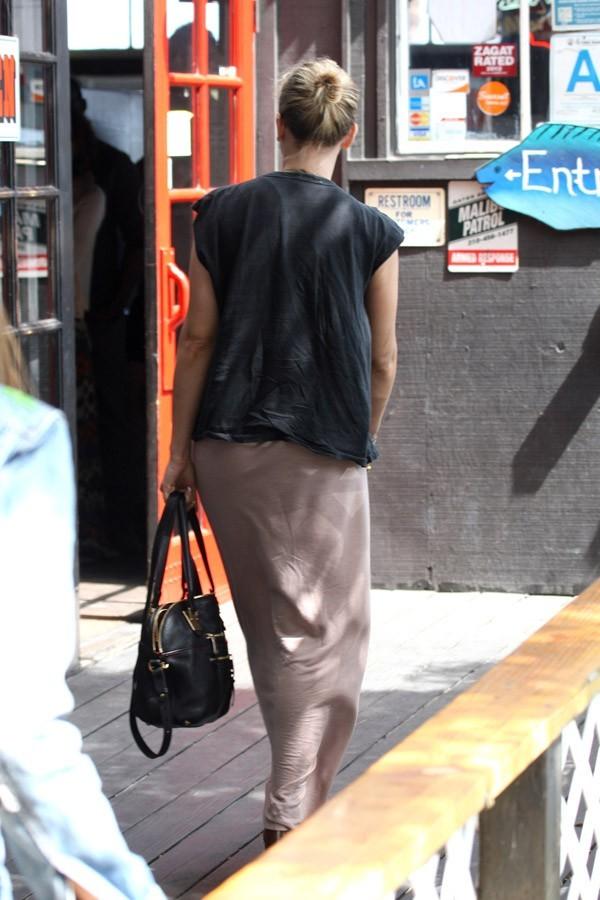 Scarlett Johansson rock et rétro dans les rues de Los Angeles le 17 juin 2012