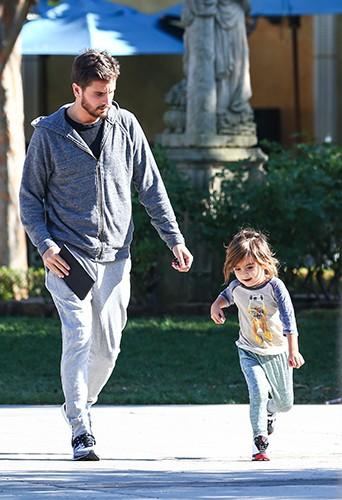 Scott Disick et son petit Mason à Los Angeles le 13 décembre 2013