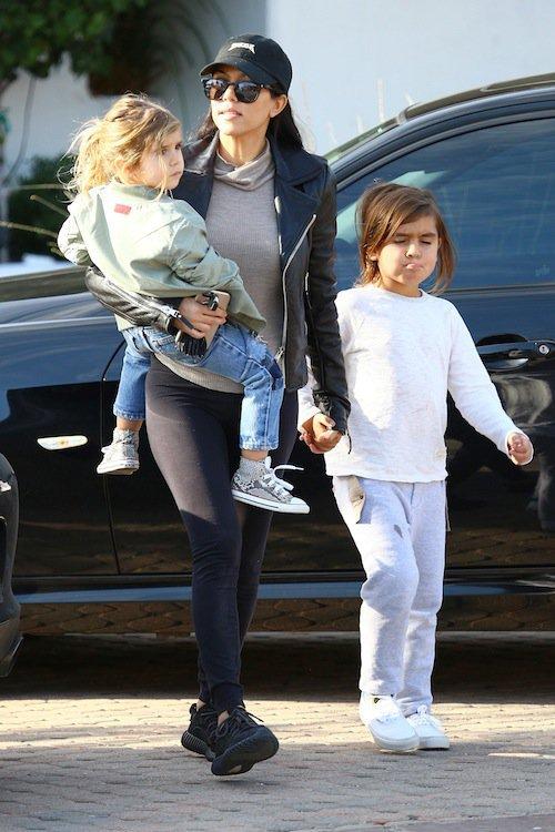 Photos : Scott Disick toujours proche de Kourtney Kardashian mais recasé avec un top !
