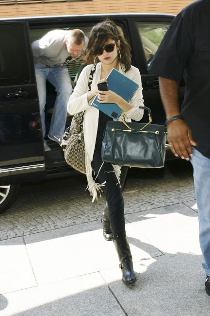 Selena Gomez à l'aéroport de Berlin, le 8 juillet 2013.