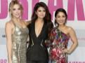 Photos : Selena Gomez : avec son méga décolleté, elle éclipse Vanessa Hudgens et Ashley Benson à Berlin !