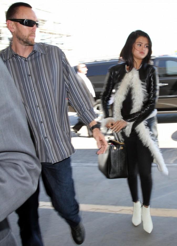 Photos : Selena Gomez : bien décidée à retrouver Justin Bieber, ses proches sont inquiets !