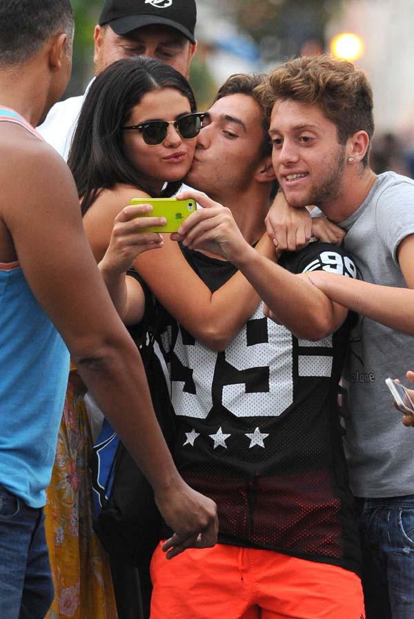 Selena Gomez à Ischia le 18 juillet 2014