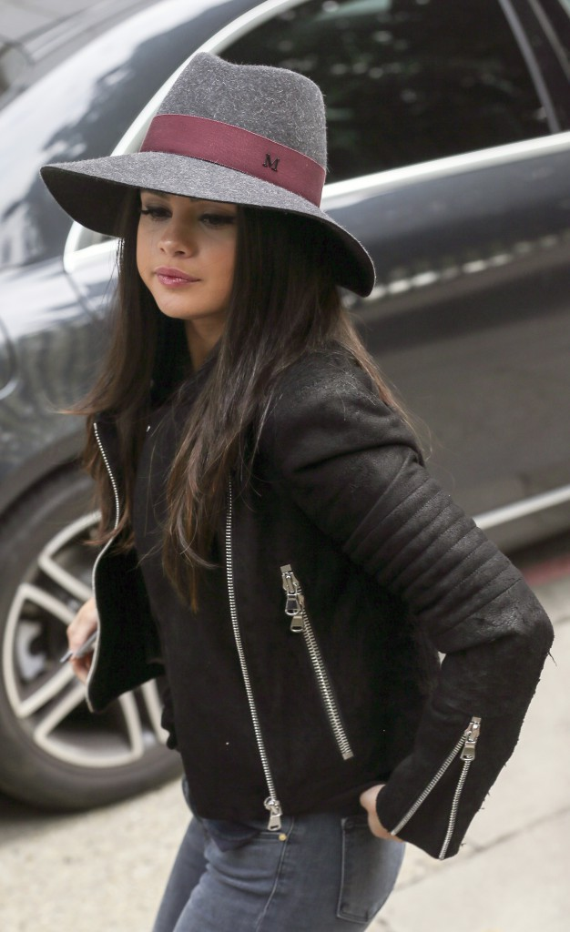 "Photos : Selena Gomez dévoile le clip de ""Same Old Love"" !"