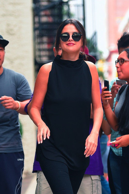 Photos : Selena Gomez dévoile une nouvelle version (plus hot) de Good For You !
