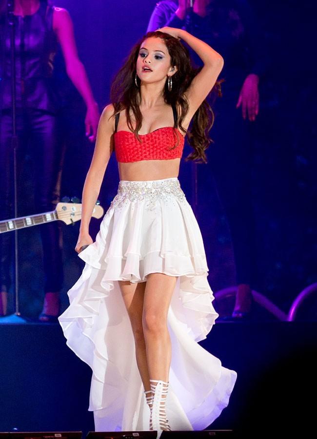 Selena Gomez en concert à Jersey City le 29 juin 2013