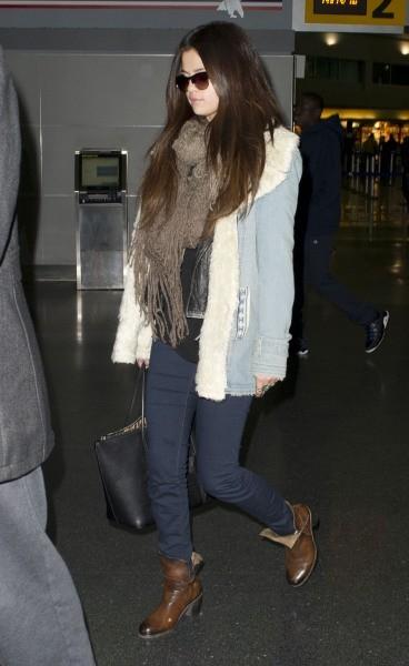 Selena Gomez à l'aéroport JFK à New York, le 17 janvier 2013.