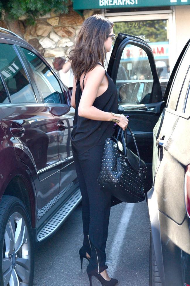 Selena Gomez à Tarzana le 29 janvier 2014