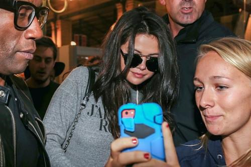 Photos : Selena Gomez retrouve ses fans français !