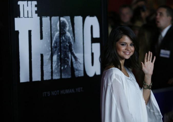 Selena Gomez à la première de The Thing à Los Angeles !