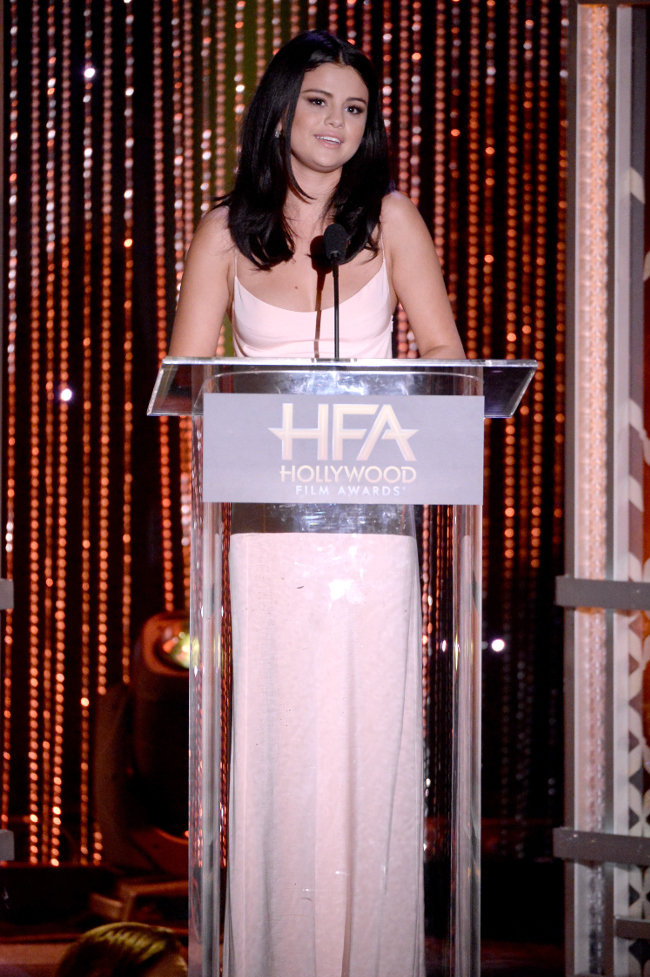 Selena Gomez à la cérémonie des Hollywood Film Awards le 1er novembre 2015