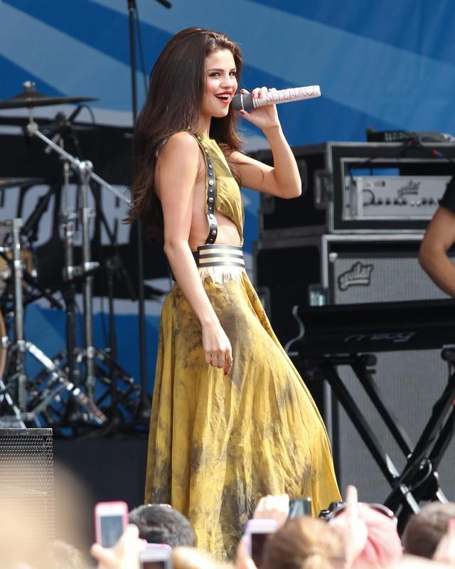 Selena Gomez en concert à Boston, le 30 juin 2013.