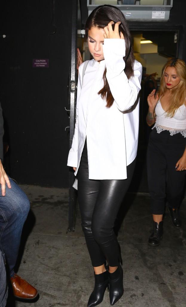 Selena Gomez : Triste mine pour une sortie entre copines !