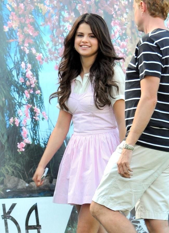 Selena Gomez sur le tournage de son nouveau film le 28 août 2012 en Californie