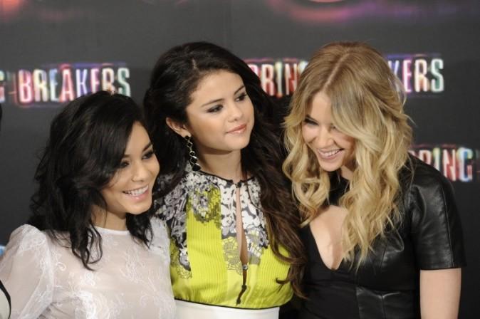 Vanessa Hudgens, Selena Gomez et Ashley Benson lors du photocall du film Spring Breakers à Madrid, le 21 février 2013.