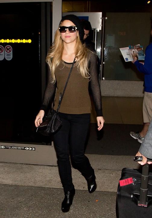 Shakira à son arrivée l'aéroport de Los Angeles le 3 décembre 2013