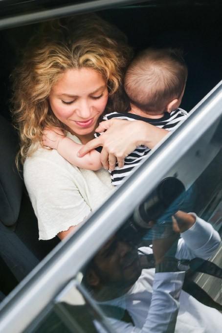 Shakira à l'aéroport de Rio de Janeiro le 20 juin 2013