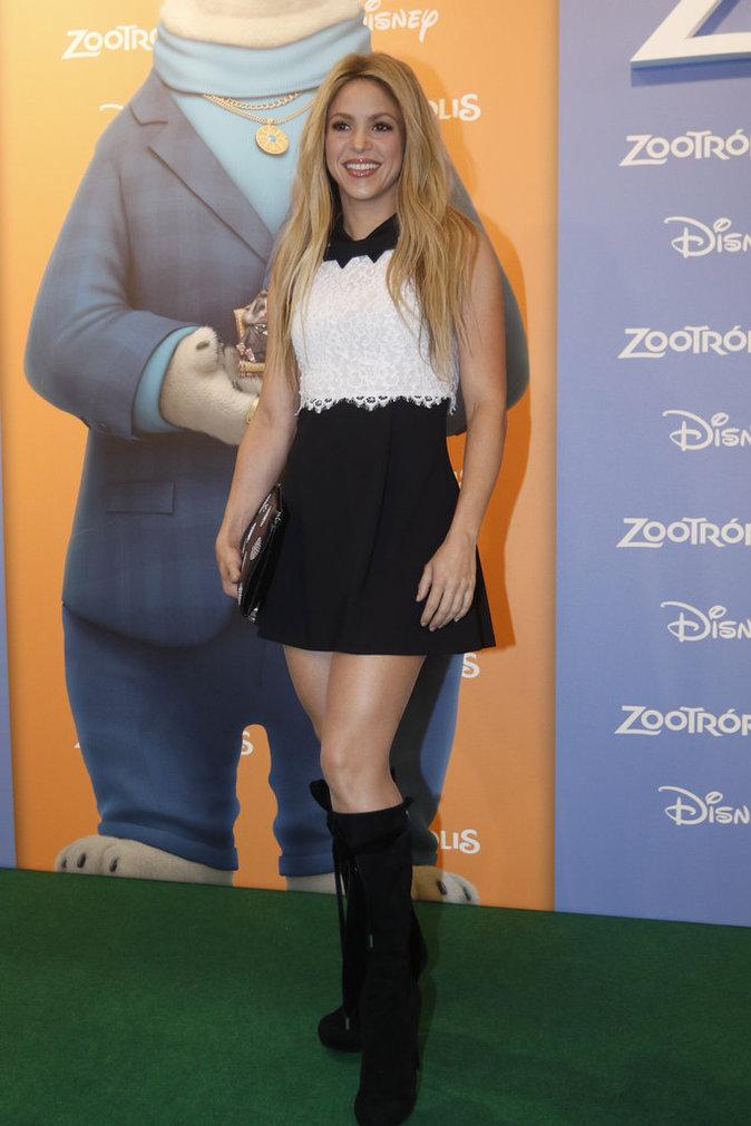 Shakira : �blouissante et souriante � la premi�re de Zootropolis !