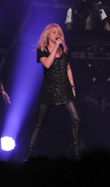 Shakira en concert à Baku, en Azerbaïdjan, le 14 octobre 2012