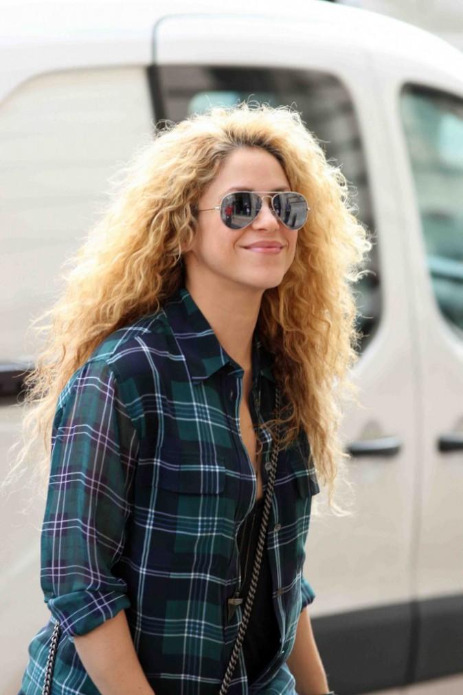 Shakira : enceinte et �panouie, elle profite d'�tre � Paris pour s'enrichir !
