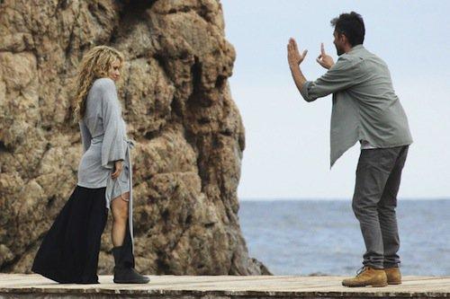 Photos : Shakira envoûtante en tournage, elle reste une maman au top !