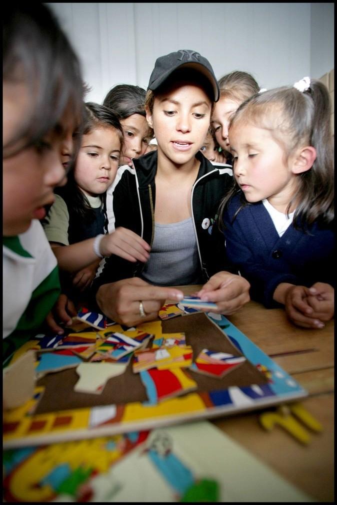 Shakira s'engage pour les enfants défavorisés