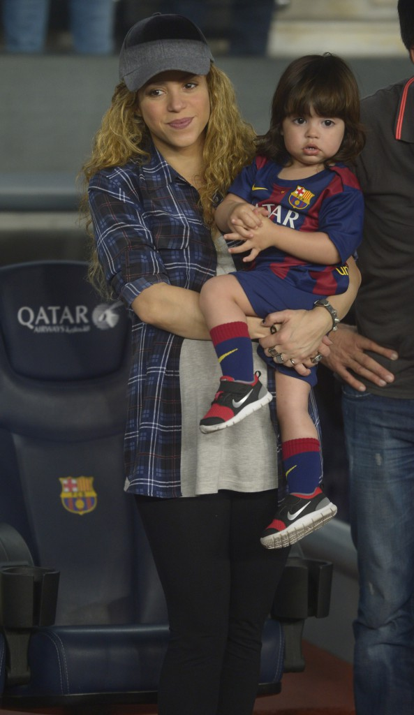 Photos : Shakira : Milan aux couleurs du FC Barcelone, de quoi rendre fier Gerard Piqué !