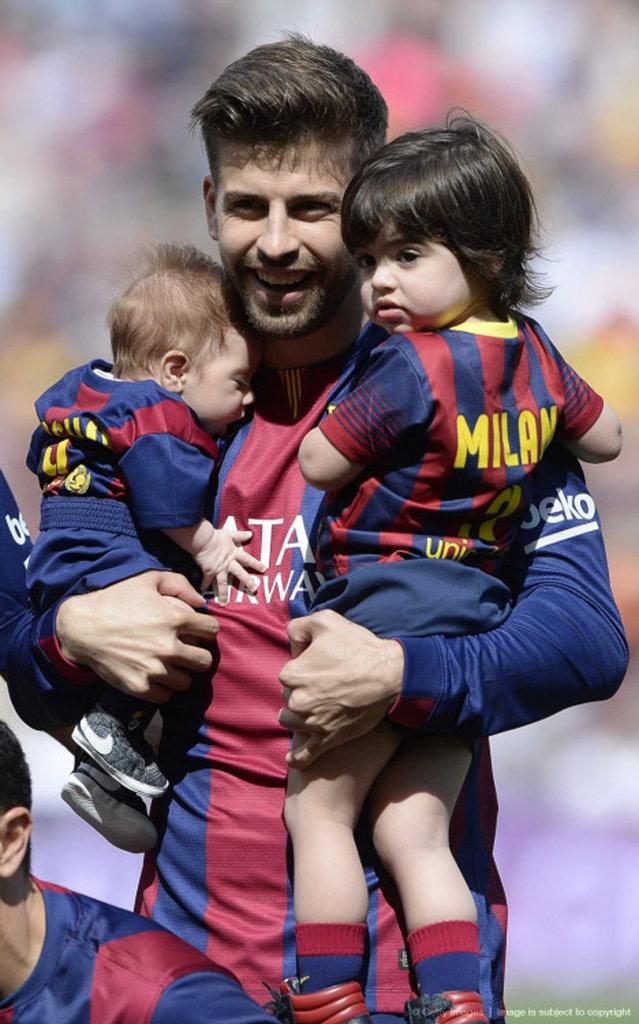 Gerard Piqué avec ses fils Milan et Sasha