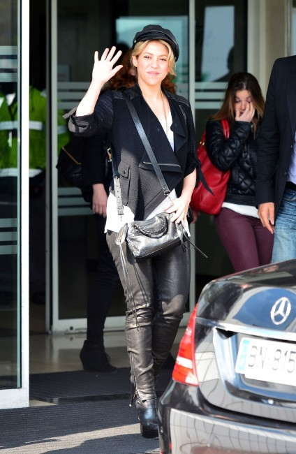 Shakira à l'aéroport du Bourget, le 27 mars 2013.