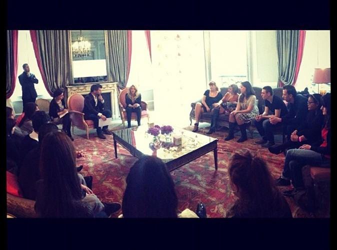 Shakira rencontre ses fans à Paris, le 27 mars 2013.