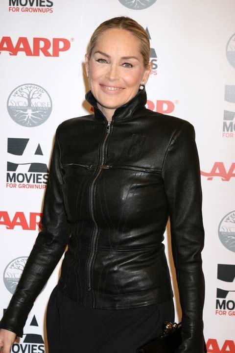 Sharon Stone sexy en cuir !