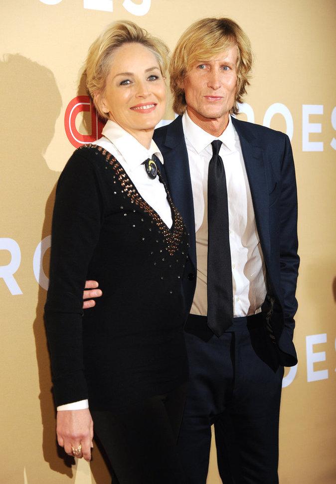 Photos : Sharon Stone : incroyablement sexy en look masculin