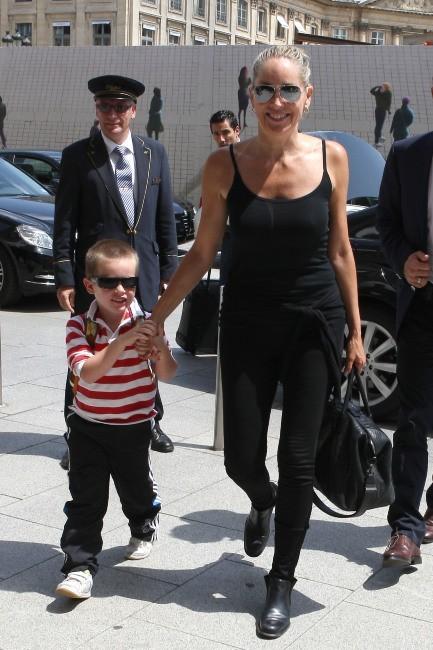 Sharon Stone et son fils Quinn de retour au Ritz à Paris, le 28 juin 2012.