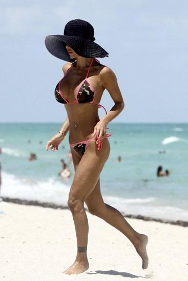 Et hop un petit footing pour raffermir tout ça ! En août 2009, à Miami Beach.