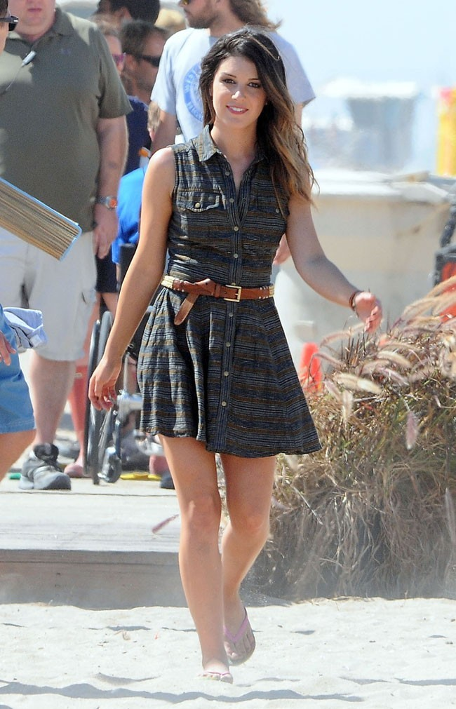 Shenae Grimes sur le tournage de 90210 le 8 août 2012