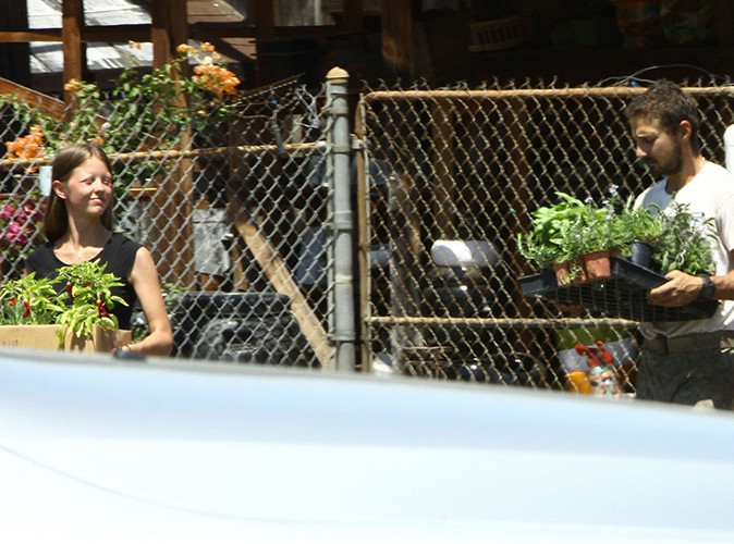 Shia LaBeouf et Mia Goth à Los Angeles le 11 août 2013