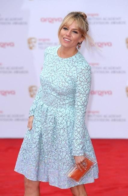 Sienna Miller lors des TV BAFTAs 2013 à Londres, le 12 mai 2013.