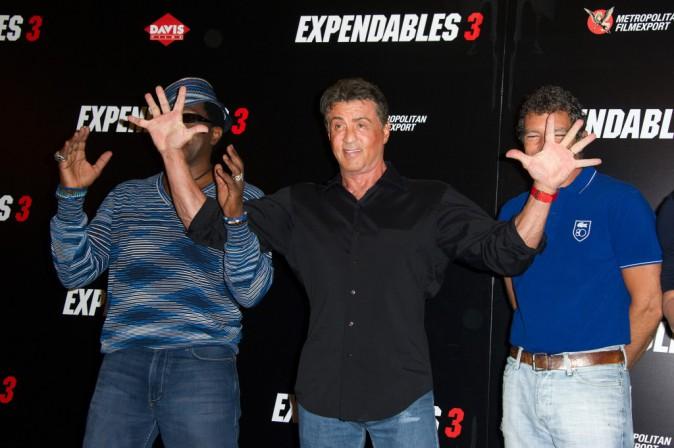 Wesley Snipes, Sylvester Stallone et Antonio Banderas lors du photocall d'Expendables 3 à Paris le 7 août 2014.