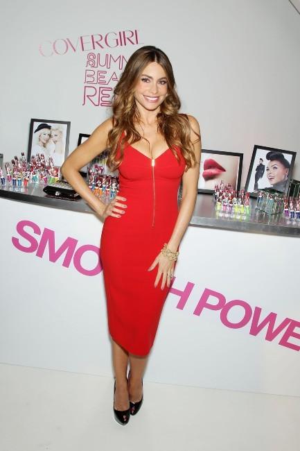 Sofia Vergara, flamboyante pour CoverGirl