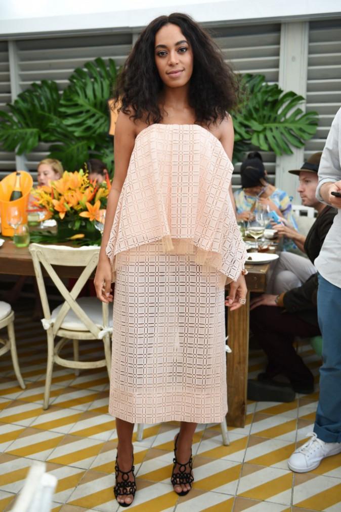 Photos : Solange Knowles : pendant que Beyoncé brillait aux Grammys, elle faisait son carnaval à Miami !