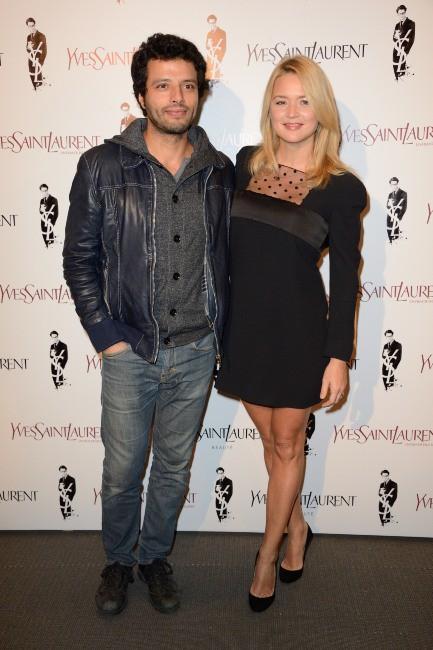 """Virginie Efira et Mabrouk El Mechri lors de la première du film """"Yves Saint Laurent"""" à Paris, le 19 décembre 2013."""
