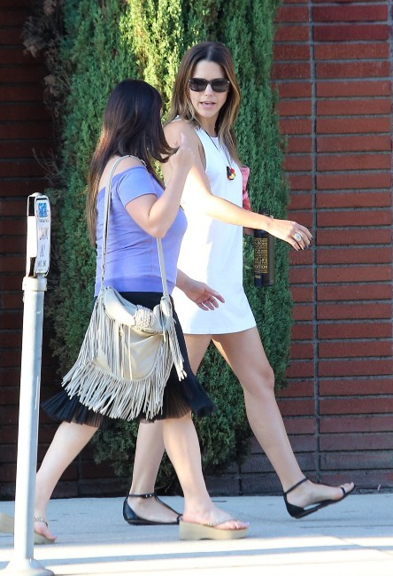 Sophia Bush et une amie à West Hollywood, le 16 septembre 2012.