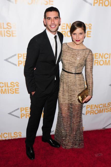 """Adam Braun et Sophia Bush lors du gala """"Pencils Of Promise"""" à New York, le 24 octobre 2013."""