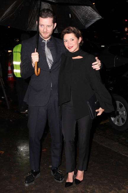Emma De Caunes et son mari Jamie Hewlett à Paris pour la soirée Dior, le 12 novembre 2013.